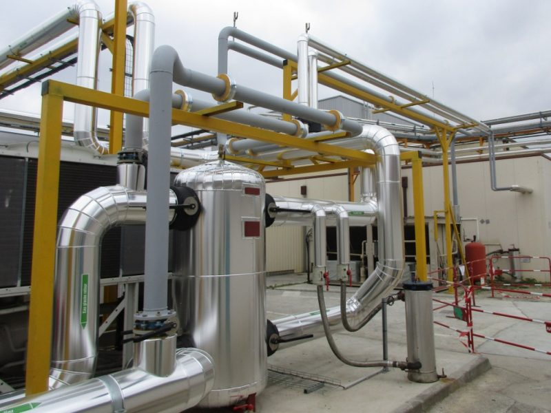 ACTISOL Calorifugeage en cours - tuyaux + bache eau glacee - pharma Toulouse